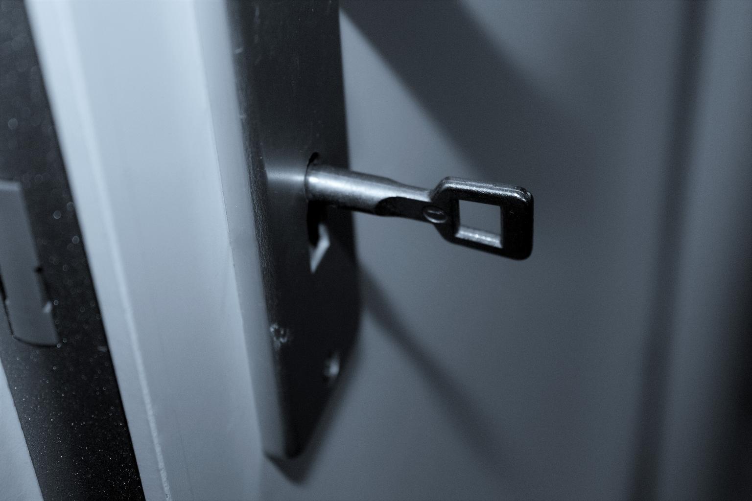 Prečo sa oplatí vymeniť drevené dvere za tie sklenené?