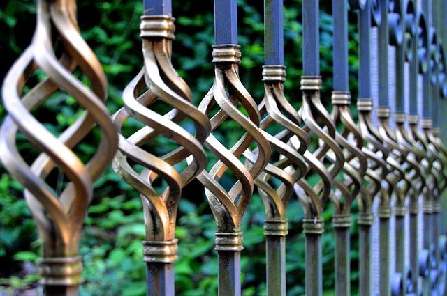 Výberom plotu môžete zmeniť vzhľad celého domu